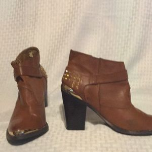 "Coconuts Cognac ""Goldrush"" Pointed Toe Bootie. 7.5"